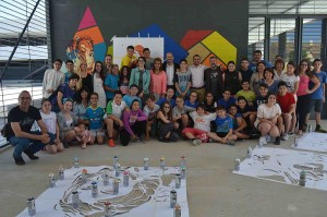 Comunidad_educativa_ante_mural